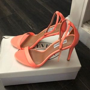 Steve Madden coral stecy